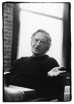 Noam Chomsky - Photo von John Soares